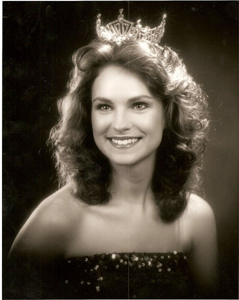 Tressa as Miss Nashville 1982