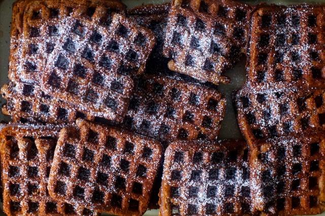deep-dark-gingerbread-waffles11.jpg